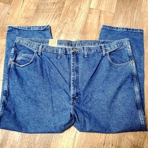 Wrangler's Relaxed Fit 52 x 28 Rugged Wear Jeans